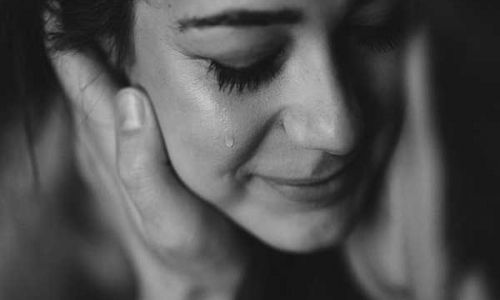 Mơ thấy mình khóc là điềm báo gì? Số chuẩn giúp lô thủ trúng lớn